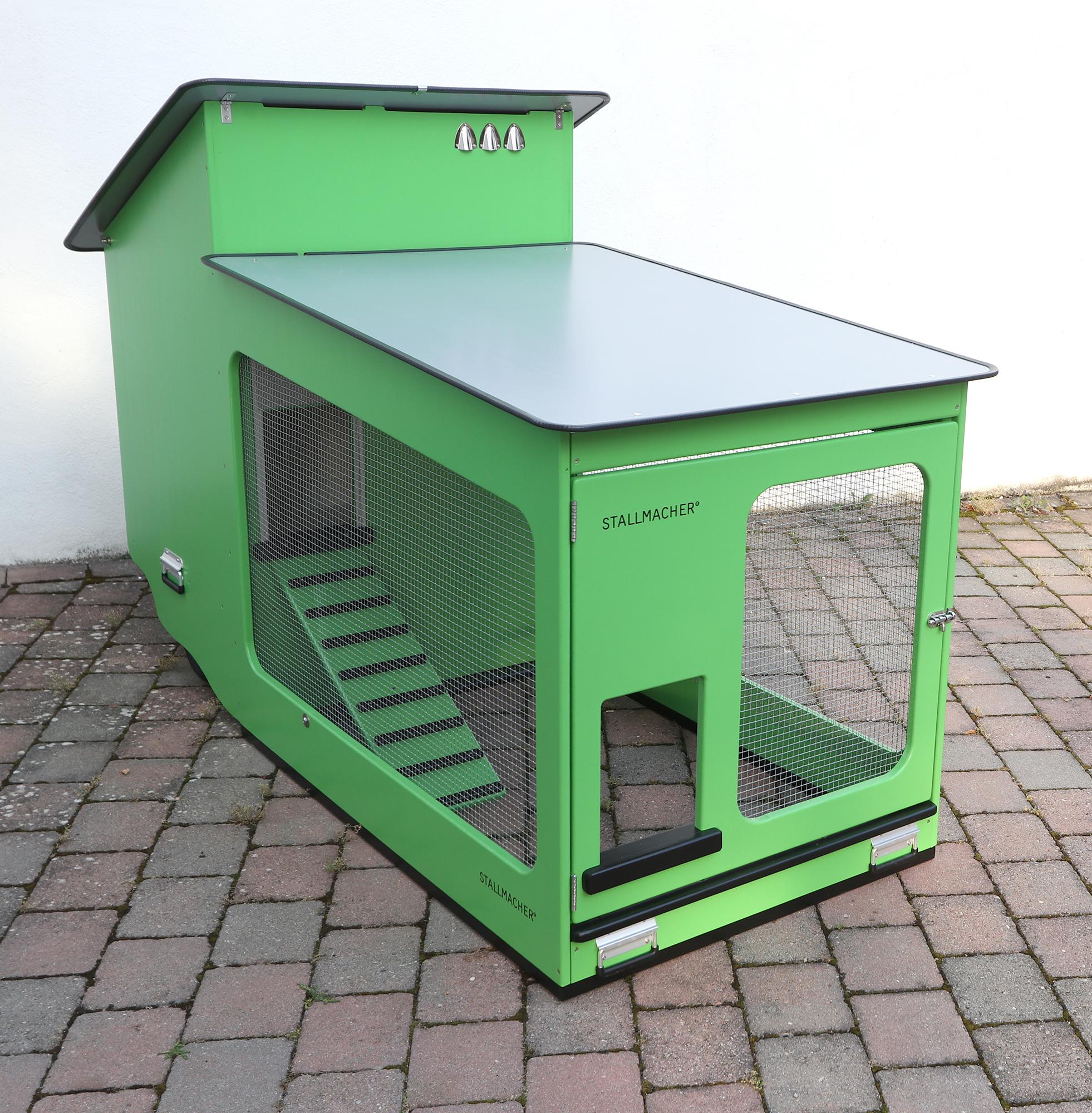 Mobiler Hühnerstall mit Luftbereifung
